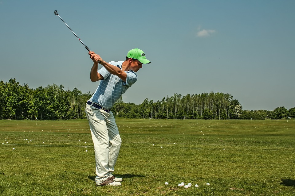 descriptive essays on golf Descriptive essay stuart kortes mrs aiken english 1101 january 21, 2010 golf swing golf is a sport that is familiar to people all over the world its instantly.