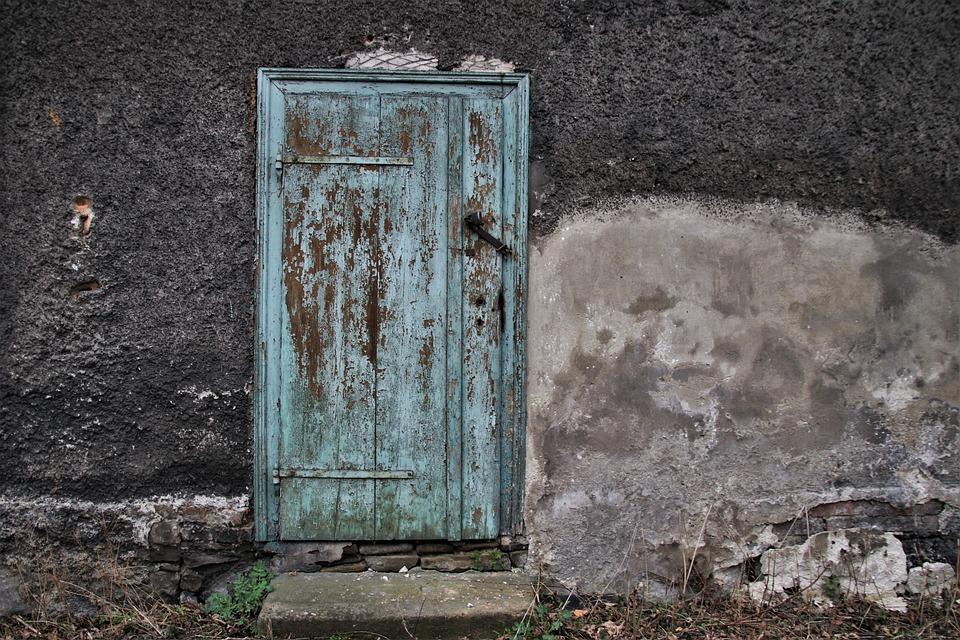 Old Plaster, Lost Places, Crash, The Door, Facade