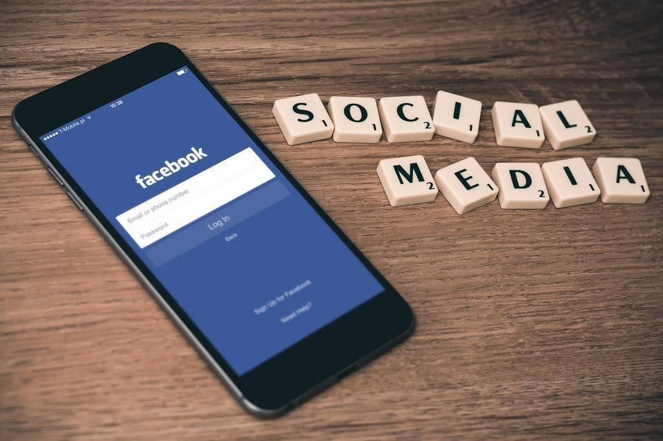Social Media, Facebook, Smartphone, Iphone, Mobile