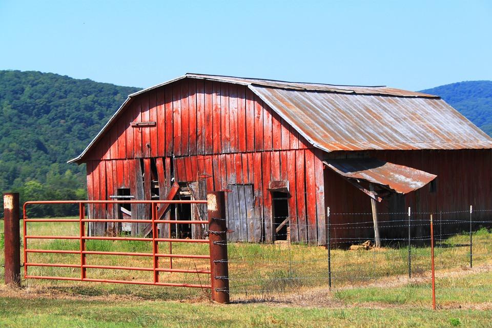 Faded Barn, Arkansas, Fenced