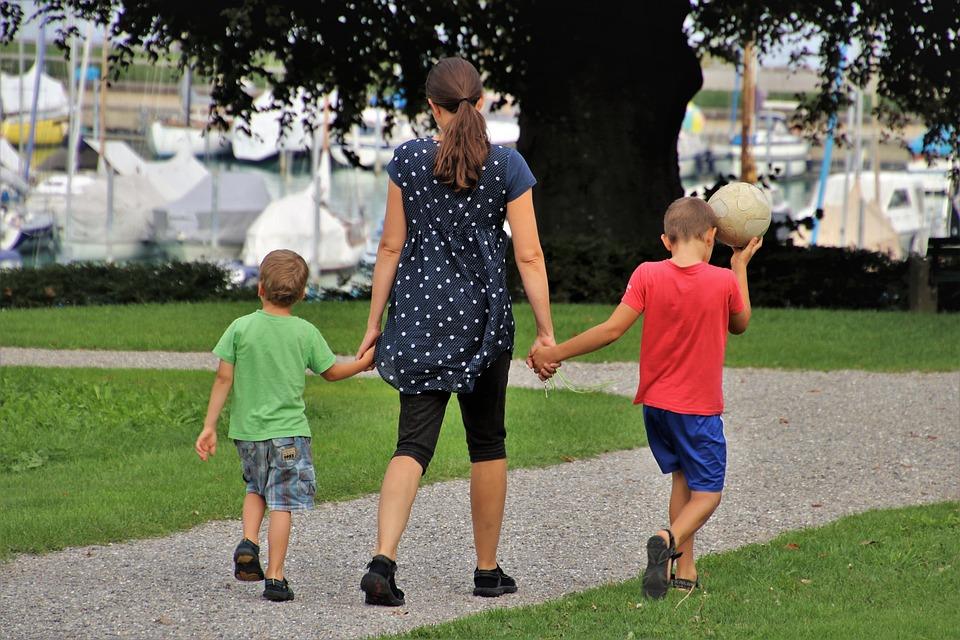Family, Mom, Childhood, The Ball, Children, Spacer