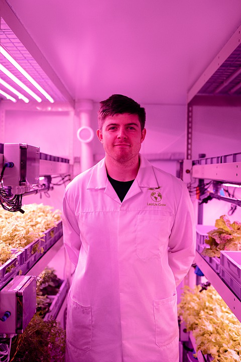 Engineer, Engineering, Pink, Indoorfarm, Farming
