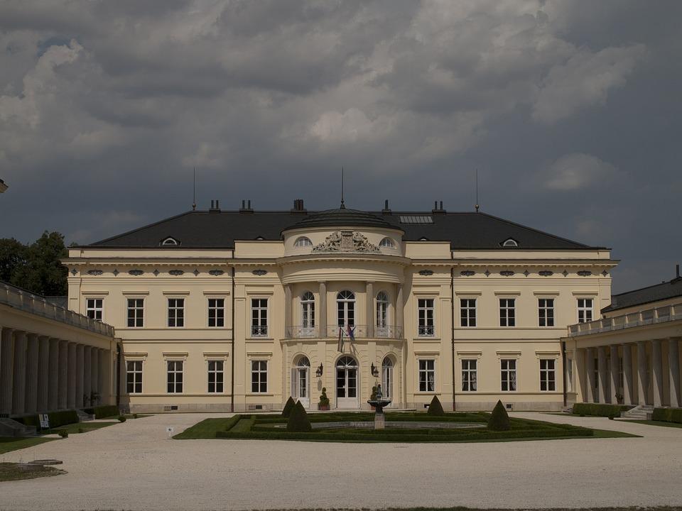 Palace, Fehárvárcsurgó, Summer