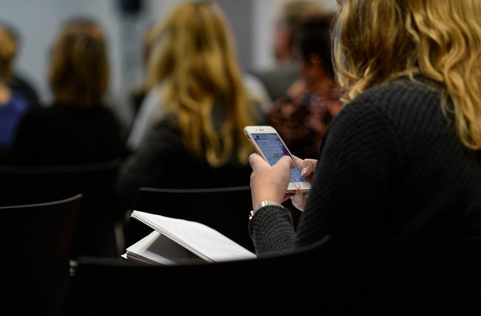 Girl, Sending, App, Smartphone, Female, Woman, Young