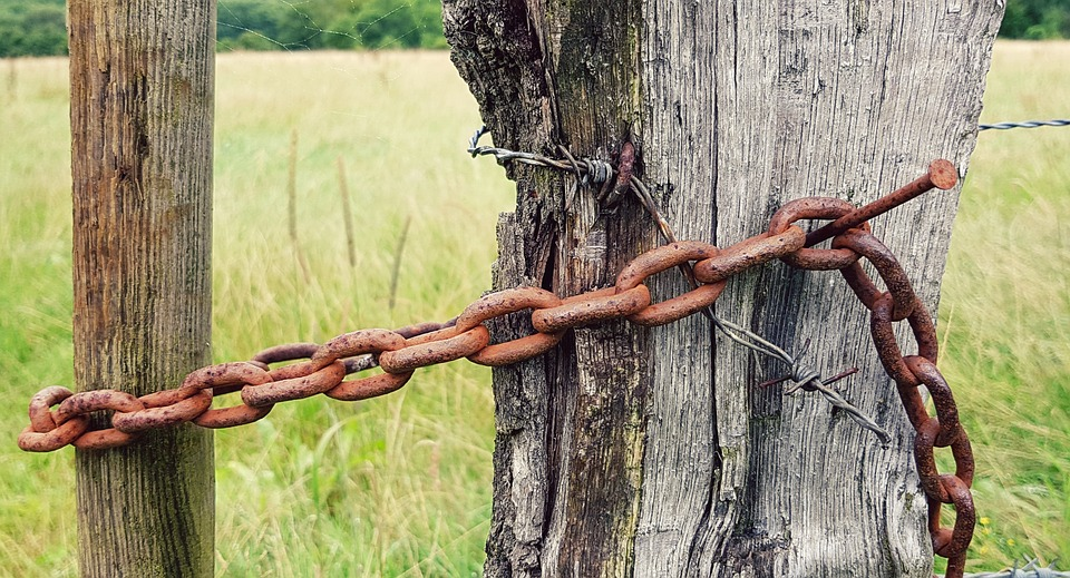 Free photo Fence Post Fence Chain Wooden Posts Post - Max Pixel