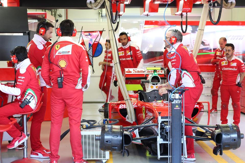 F1, Formula 1, Motor Racing, Ferrari, Team, Box, Red