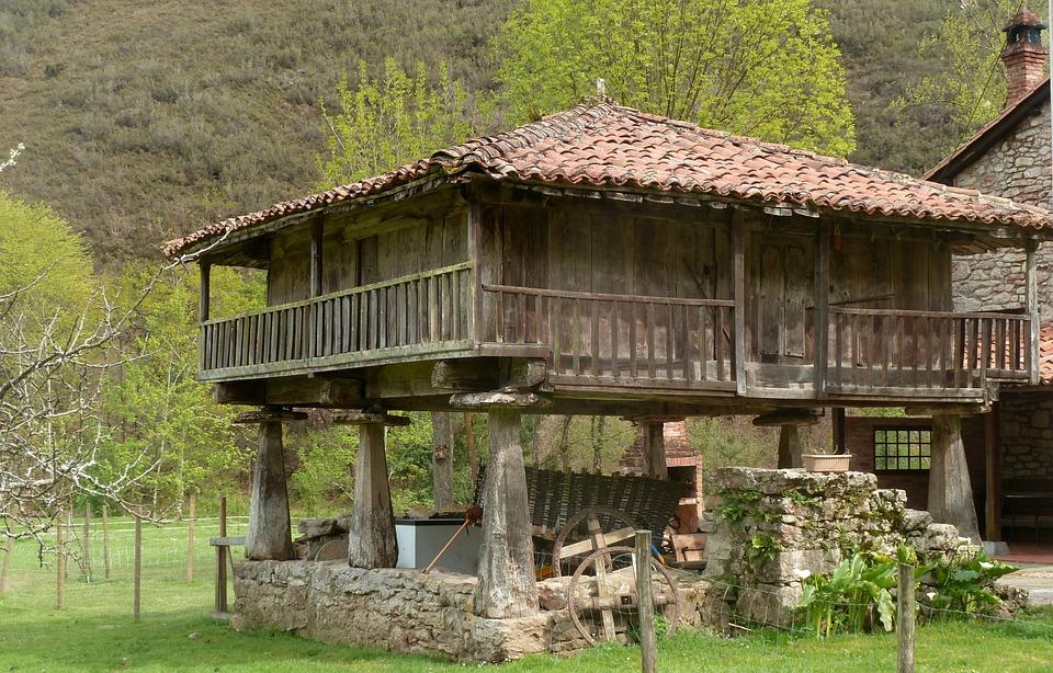 Granary, Field, Asturias, Spain
