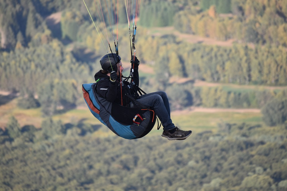 Fifth Wheel, Sitting Paragliding, Paragliders
