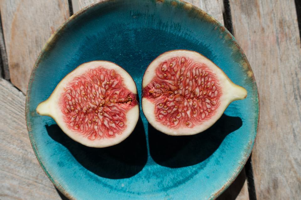 Fig, Sliced, Plate, Wooden Table, Dessert, Fruit