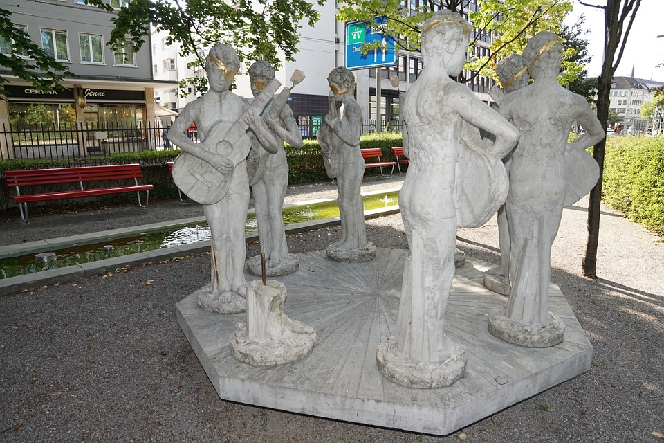 Sculpture, Fig, Statue, Zurich, Old People's Home, Play