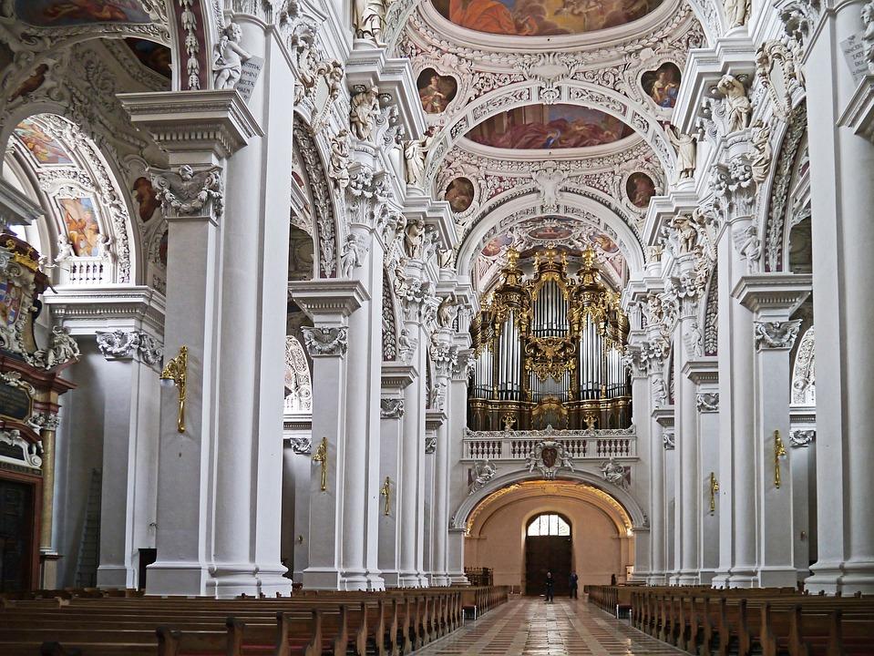 Passau, Dom, Baroque, Decorated, Stucco, Figures