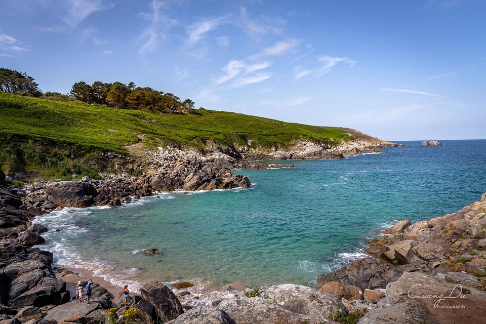 Leading Thousand, Finistère, Sea