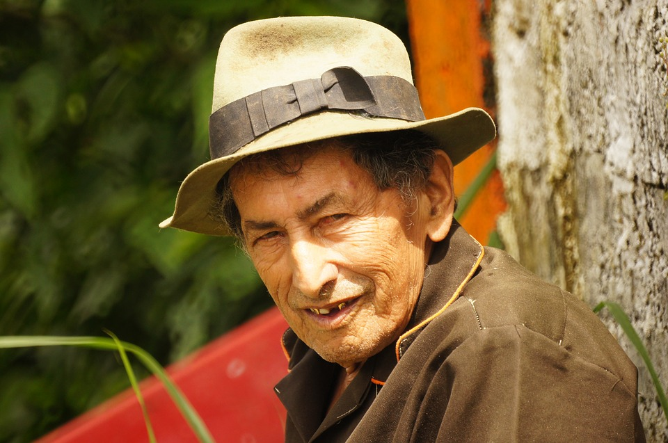 Old Age, Personaes, Finlandia, The, India, Colombia