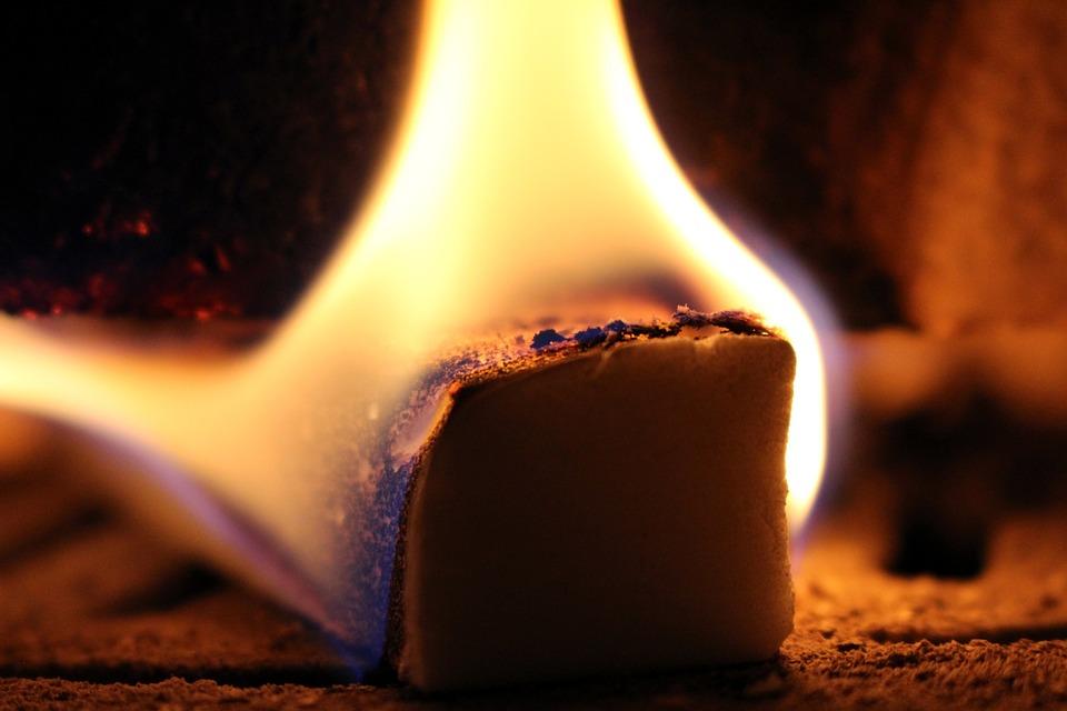 Fire, Kindle, Fireplace, Burn, Flame, Close, Heiss