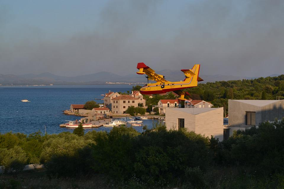 Canadair Firefighting Plane, Croatia, Dalmatia, Fire