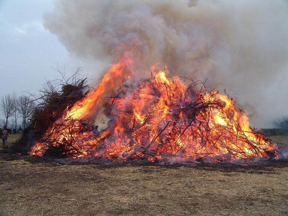 Easter Fire, Easter, Fire