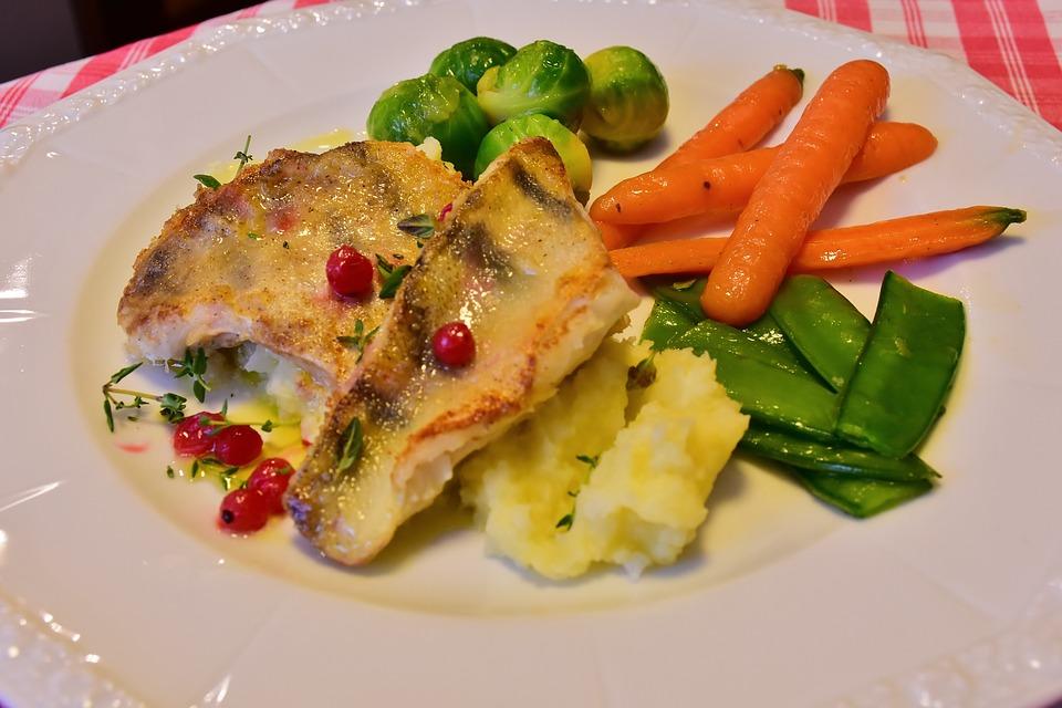 Fish, Pike Perch, Zander Filet, Vegetables, Carrots