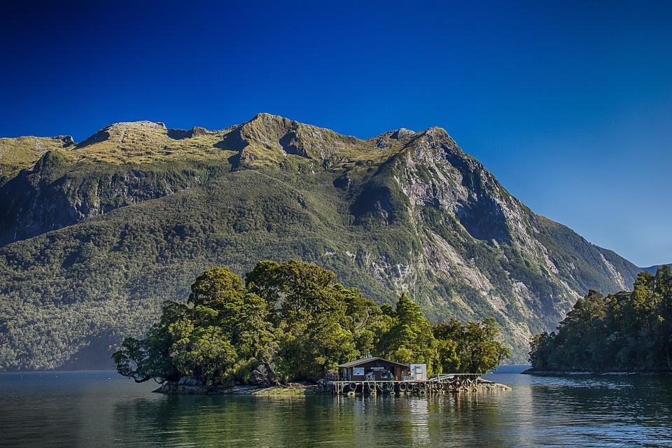 New Zealand, Doubtful Sound, Fjord, Hut