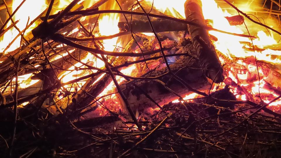 Fire, Flame, Easter Fire, Wood, Brand, Wood Fire, Burn