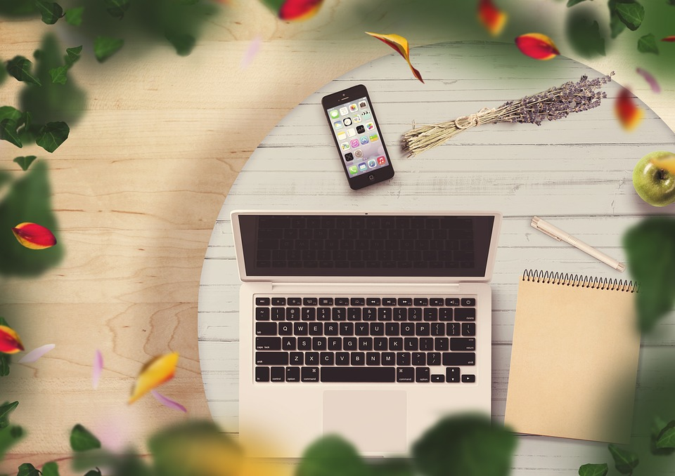 Notepad, Mobile Phone, Notebook, Table, Flowers, Pen