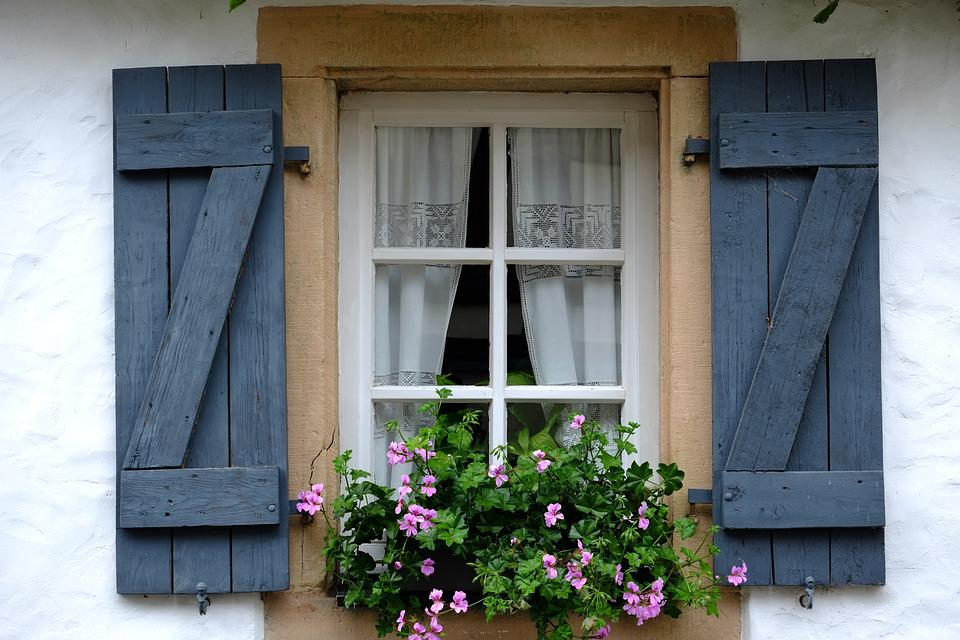 Window, Klappladen, Folding Shutters, Facade, Hauswand