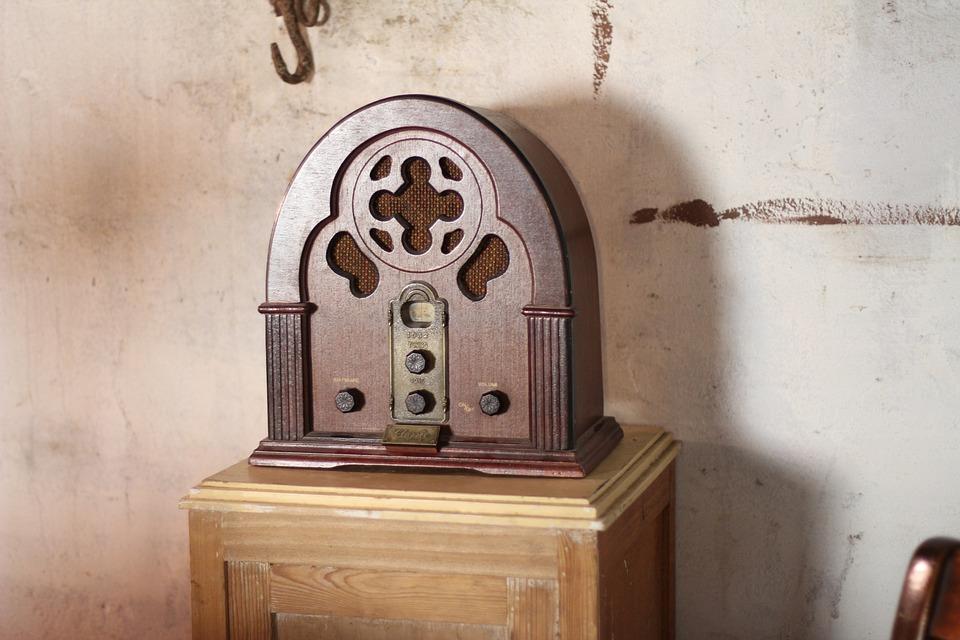 Radio, Former, War