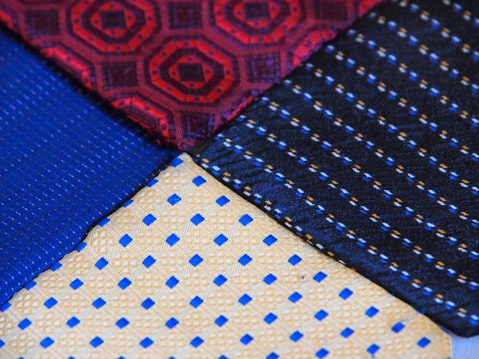 Four Color, Neckwear, Composition