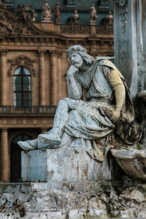 Frankonia Fountain, Walther Von Der Vogelweide