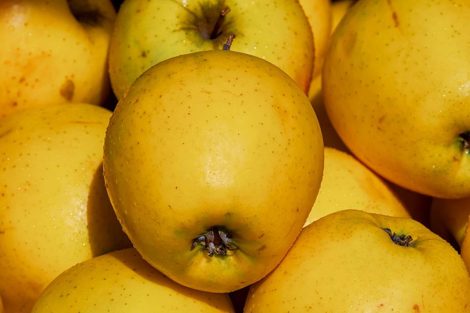 Apple, Golden Delicious, Fruit, Vitamins, Tasty, Frisch