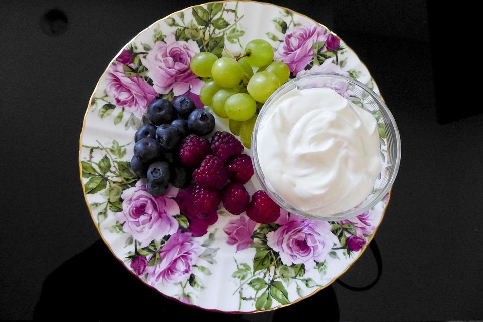 Food, Plate, Cream, Fruit, Grapes, Berries, Creme