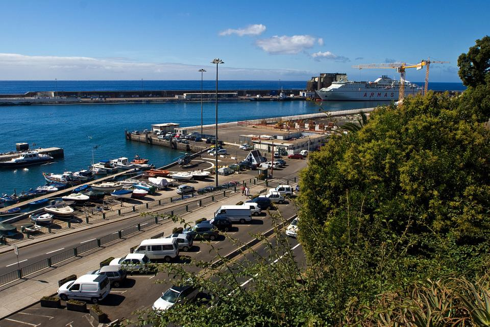 Madeira, Port, Funchal, Ships