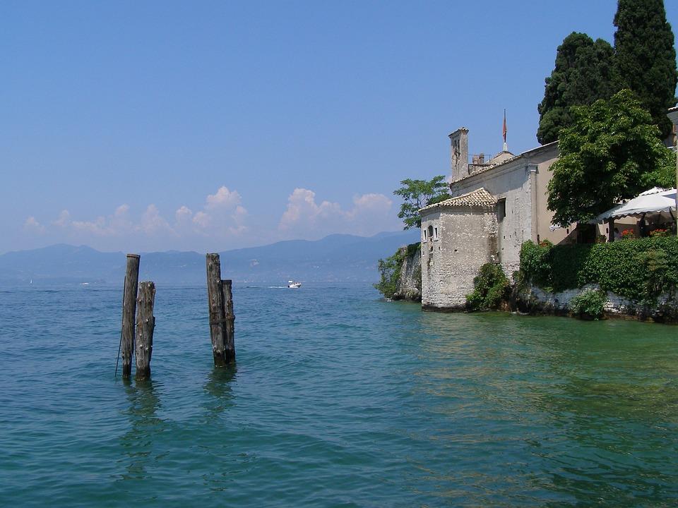 Lago Di Garda, Garda, Italy, Sky
