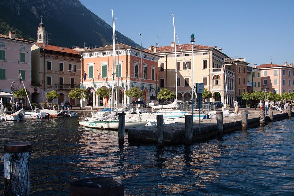 Gargnano, Garda, Port, Place, Homes, Marina, Ships