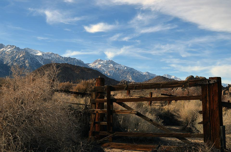 Gate, Lone Pine, Western, Mountains
