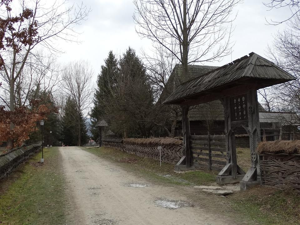 Gate, U, Maramures, The Village Museum