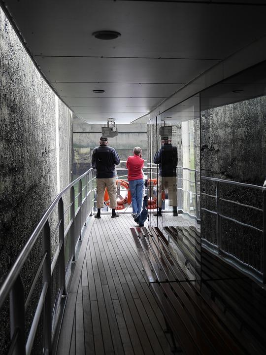 Passenger Ship, Lock, Gateway, Sluice Wall, Floodgate