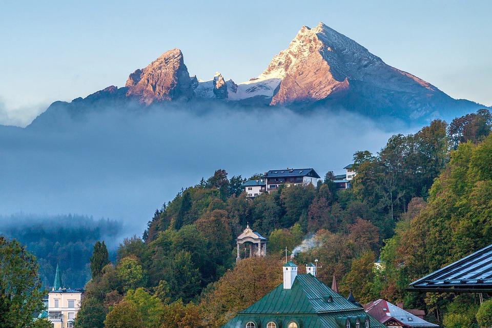 Germany, Berchtesgaden, Schwartz Norman Bee, Watzmann