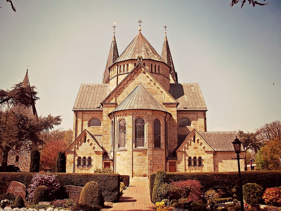 Church, Langförden, Lower Saxony, Germany, Cemetery