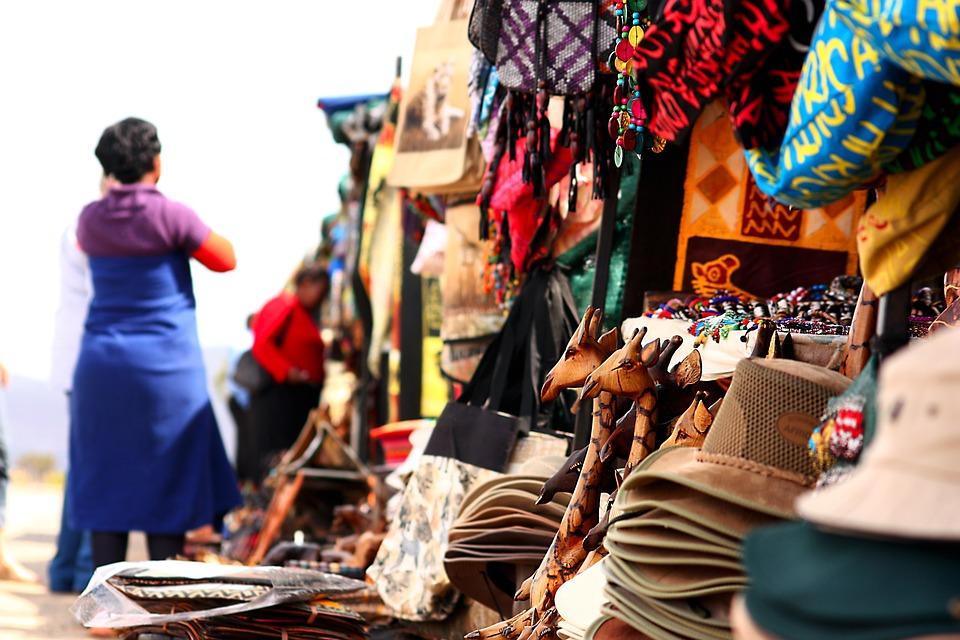 People, Market, Shopping, Retail, Urban Road, Giraffes