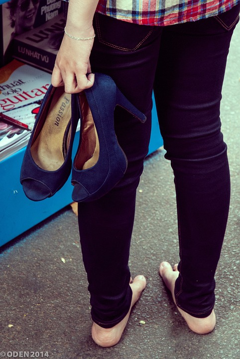Walking, High Heels, Shoe, Shoes, Heels, Tired, Girl