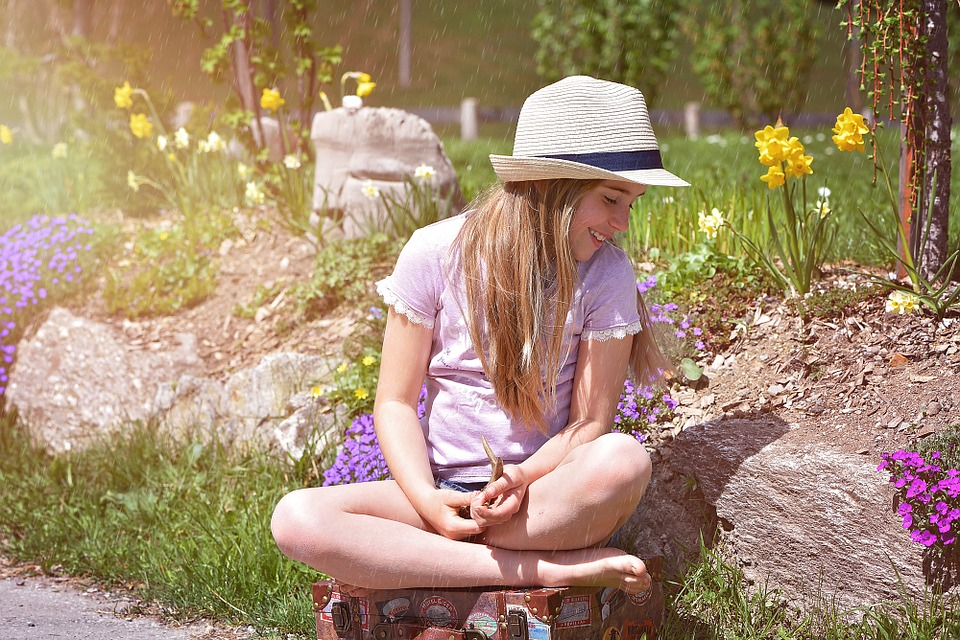 Human, Child, Girl, Luggage, Barefoot, Hat, Out, Nature