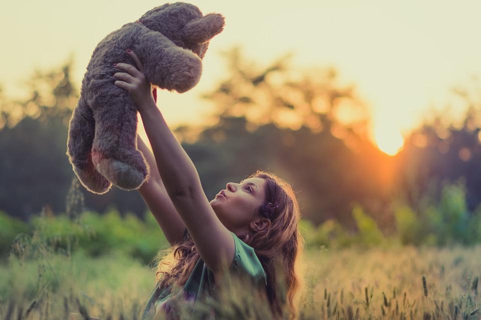 Girl, Teddy Bear, Carry, Plush, Plush Toy, Stuffed Toy