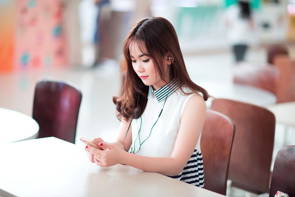 Girl, Smartphone, Listening, Entertainment, Model