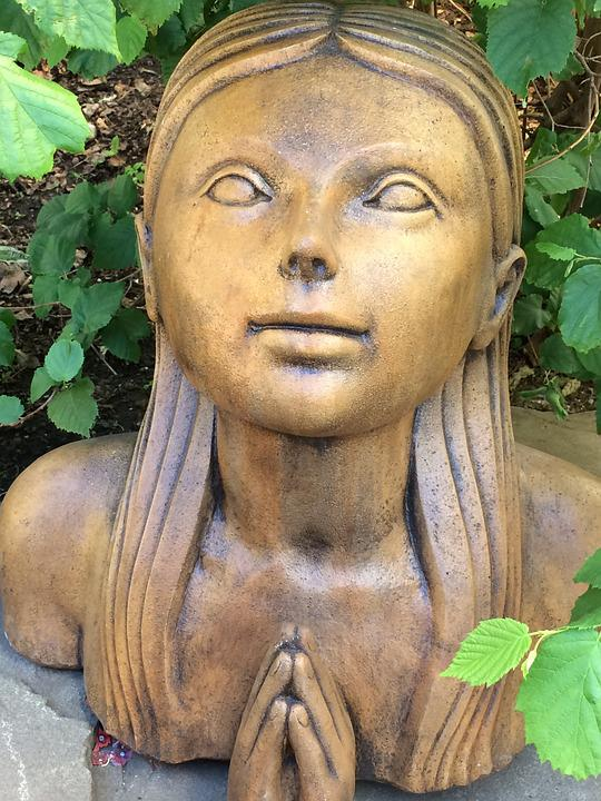 Girl Statue, Garden Decoration, Praying, Sculpture