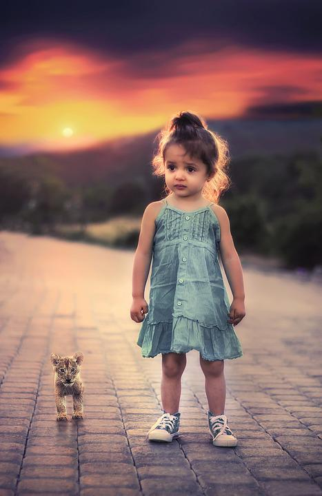 Girl, Standing, Pet, Child, Toddlers, Worried, Sad