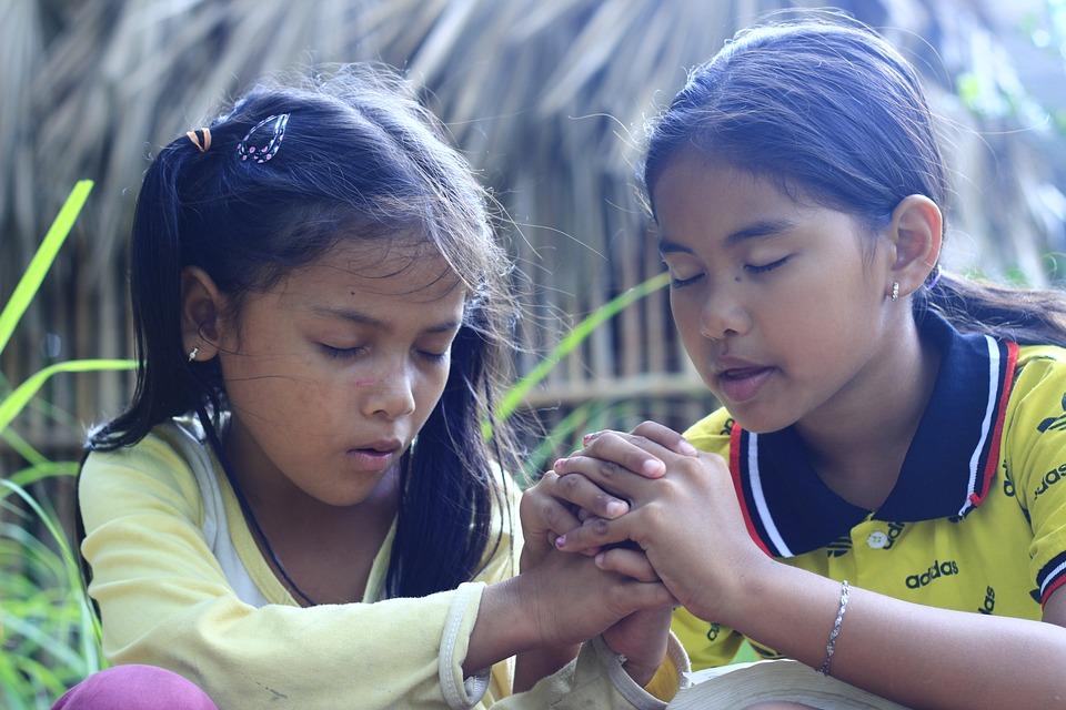Girls, Praying, Khmer, Christian, Gospel, Christianity