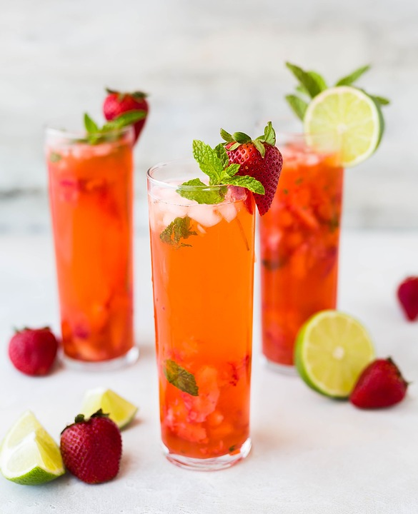 Juice, Glass, Drink, Beverage, Cocktail, Garnish