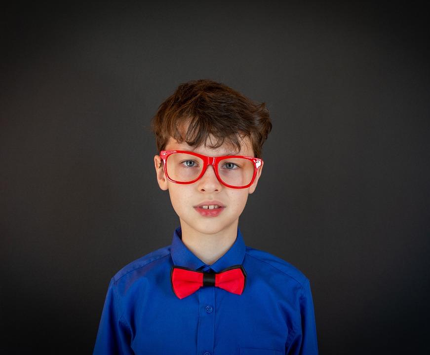 Lepsze oceny w szkole dzięki… okularom. Obserwacje zaskoczyły nawet doświadczonych specjalistów