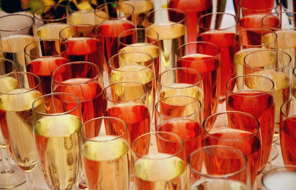 Champagne, Champagne Glasses, Glasses, Drink, Alcohol