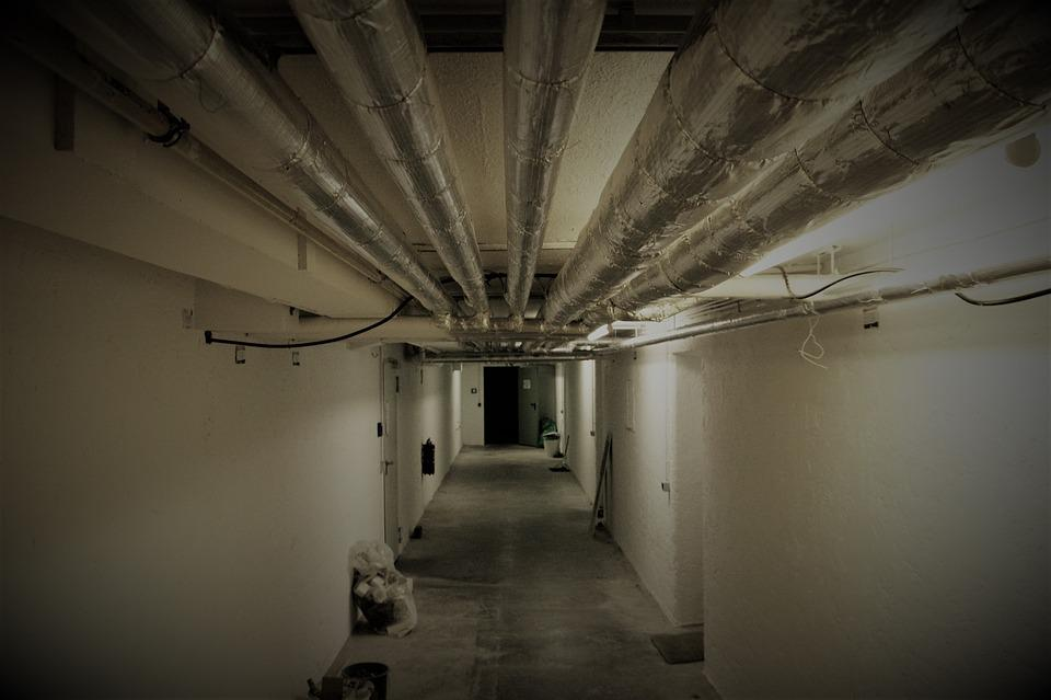 Keller, Cellar Speed, Gloomy, Heating Pipes, A Mess